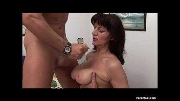 Муж зырит как чпокают супругу