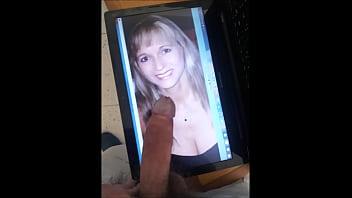 Телочка в трусишки оплатила поездку сексом в машине