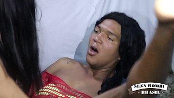 Молодой братик от трахал сестру на кровати
