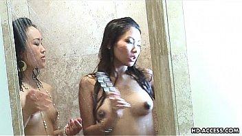 После подглядывания внучок вставил член в волосатую вагину толстой старушки с коротенькой стрижкой