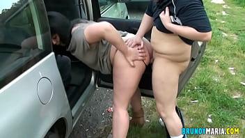 Домохозяйка анально отрывается в жмж