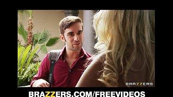 Пикапер привез в дом молодую блондинку и совокупился с ней