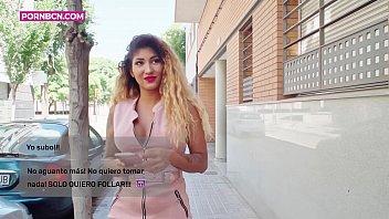 Две лесбиянки в чулках занялись сексом с хахалем на кастинге